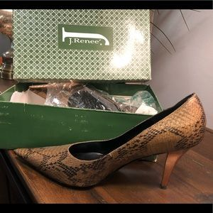 🙀 Fabulous bronze color pump!